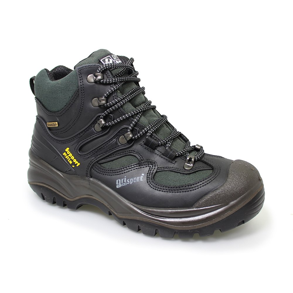 Breathable walking boots