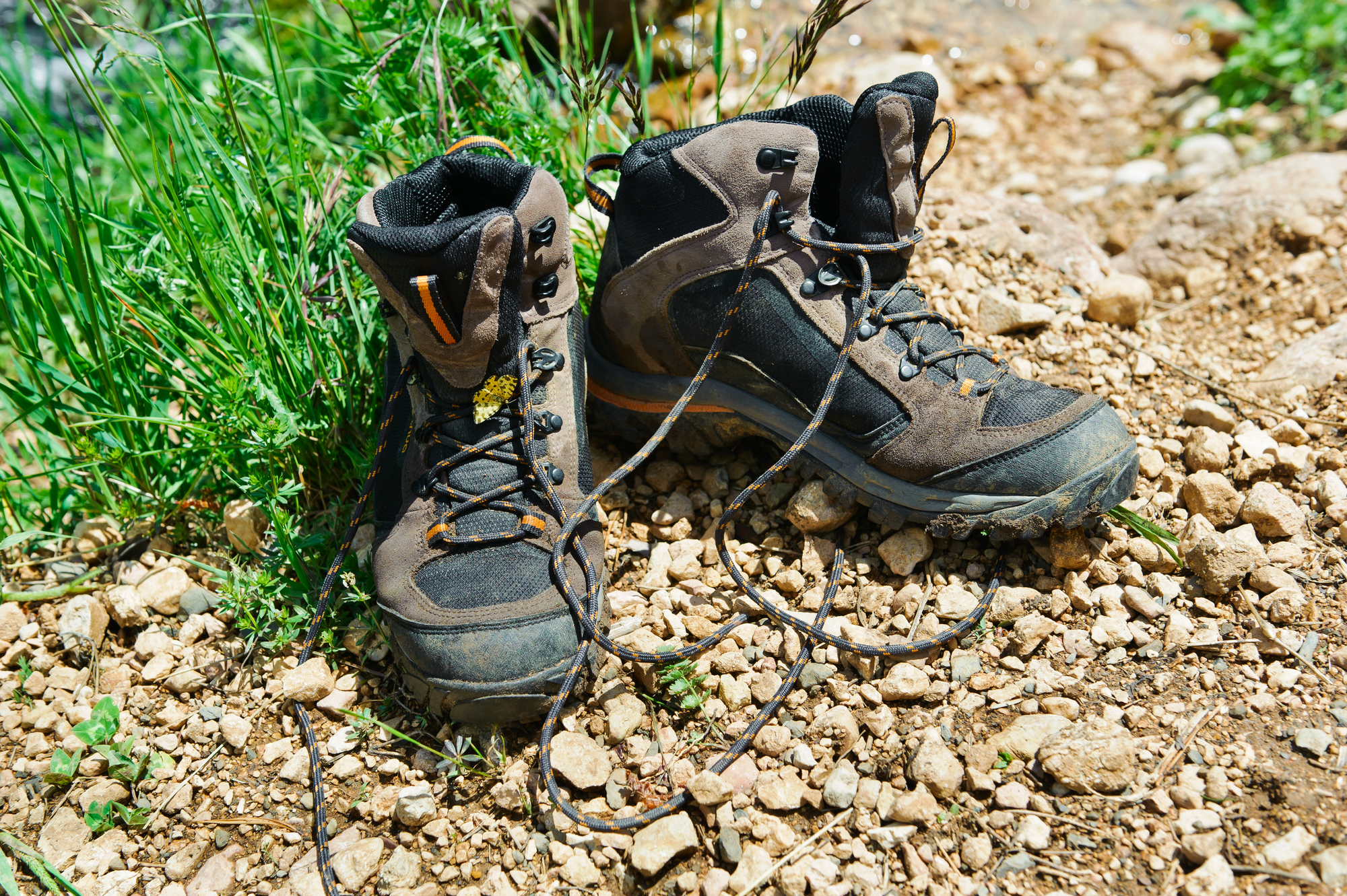 how should walking boots fit
